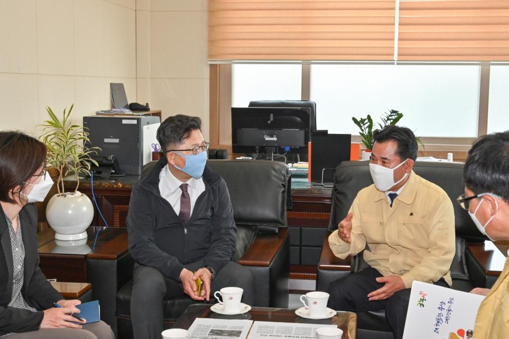 1. 5월 12일 김현수 농림축산식품부 장관 건의 장면.JPG